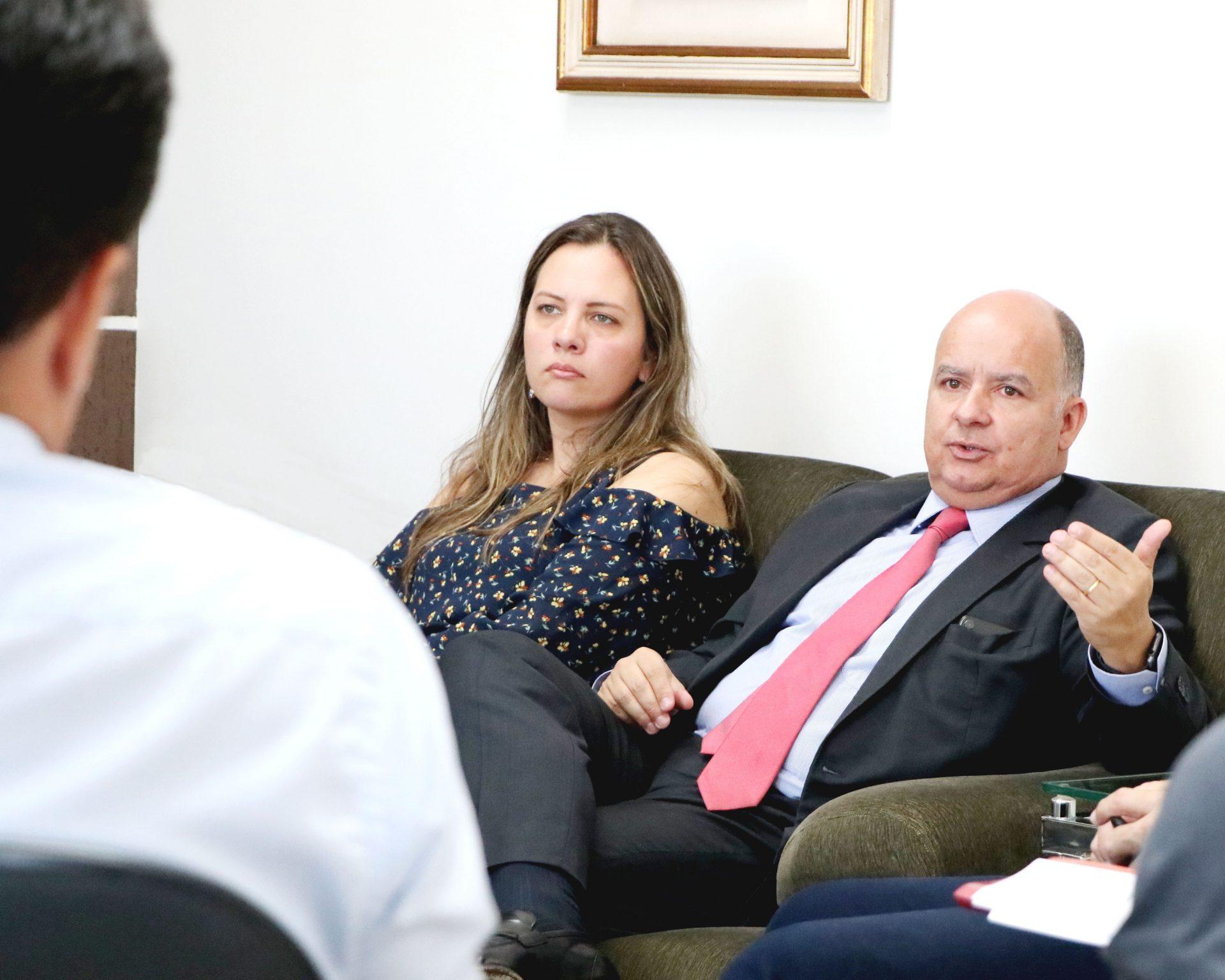 Nutead e Emap assinam plano de trabalho para especialização em Direito