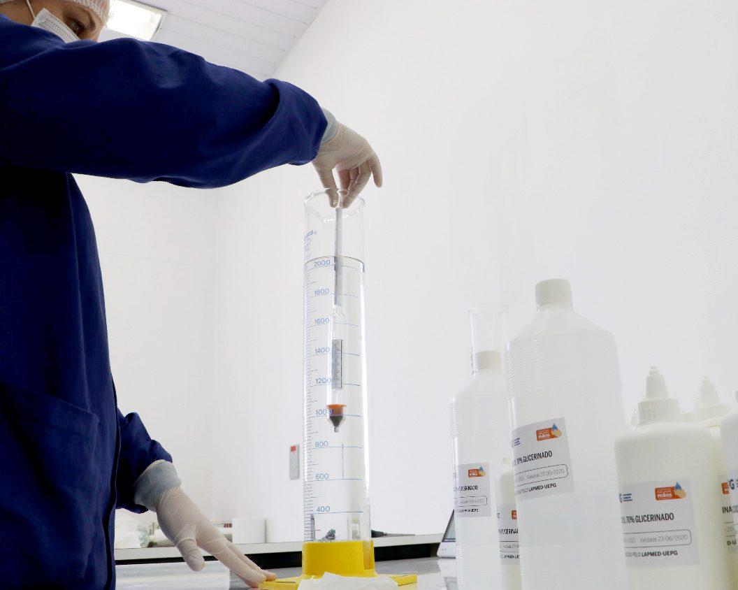 UEPG recebe 10 mil litros de etanol para produção de álcool 70%