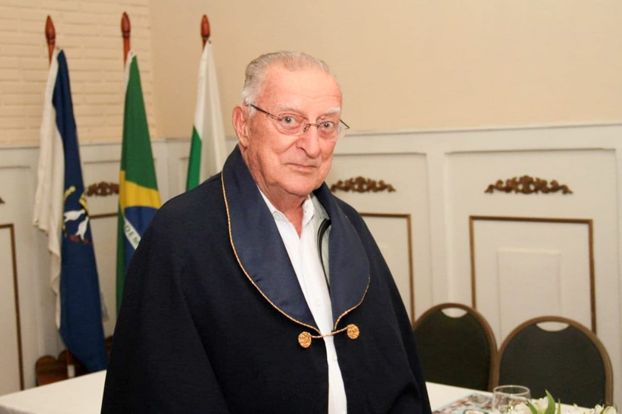 UEPG lamenta falecimento do professor aposentado Wilson Comel