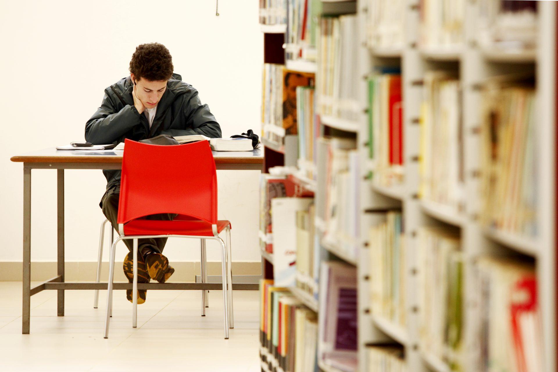 Biblioteca Central da UEPG promove webinar sobre pesquisa em banco de dados