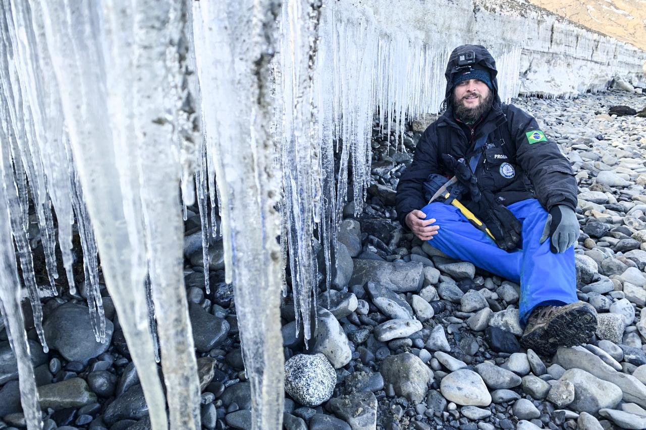 Egresso do curso de Geografia fala sobre pesquisa na Antártica