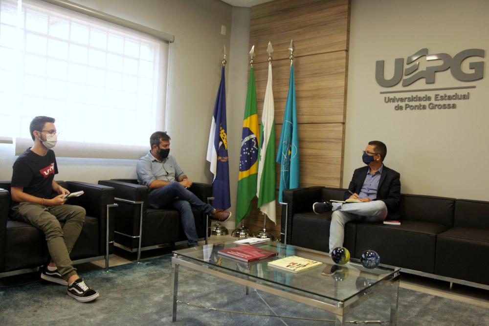 Reitor recebe visita do Secretário de Cultura de Ponta Grossa